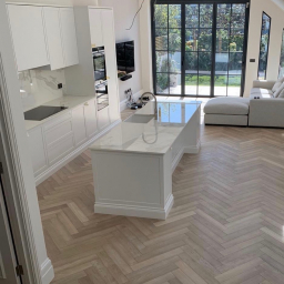 Oak Multilayer Herringbone Grey Reaction Stain with Extra White Stain Matt Lacquer