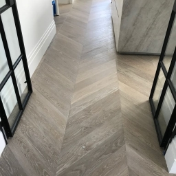 Oak Multilayer Chevron Dark Smoked White No Visible Lacquer